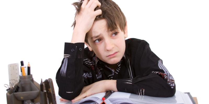 Les enfants à difficultés ont des soucis en classe