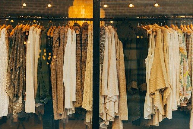 Vendre ses vêtements usagés: les avantages