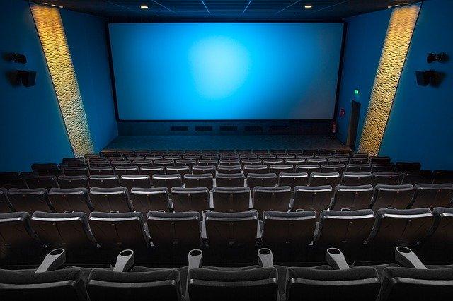 Est-ce que le cinéma est encore en vogue de nos jours ?